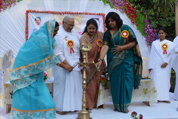 रायपुर: अन्तर्राष्ट्रीय महिला दिवस के अवसर पर आयोजित महिला जागृति आध्यात्मिक सम्मेलन