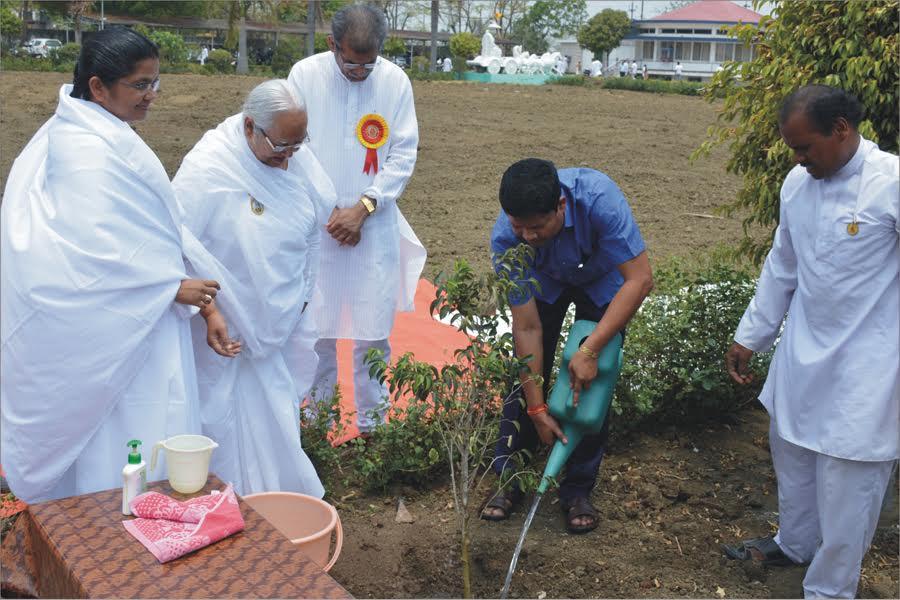 शान्ति सरोवर में पर्यावरण महोत्सव कार्यक्रम : महेश गागड़ा, वनमंत्री ने किया सम्बोधित