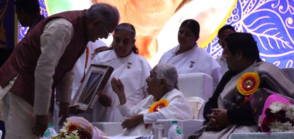 भारत के उज्जवल भविष्य के लिए युवाओं को नैतिक मूल्यों से पोषित करें- राज्यपाल