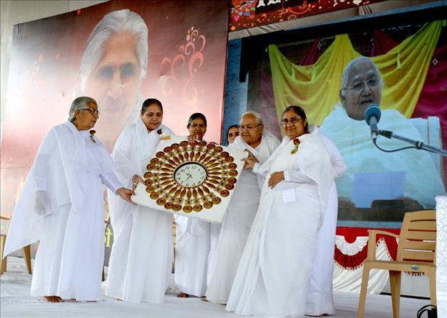 Raipur (CG) - छत्तीसगढ़ की नई राजधानी *नवा रायपुर* में दीपावली धूमधाम से मनाई गई...Deepavali Celebration at New Capital of Chhattisgarh